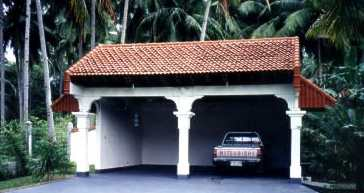 vacation home garage